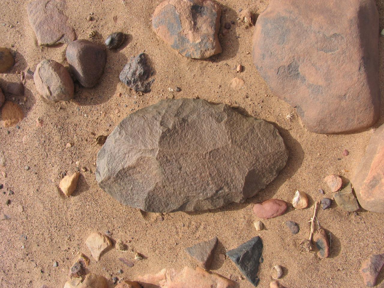 Outil paléolithique 30