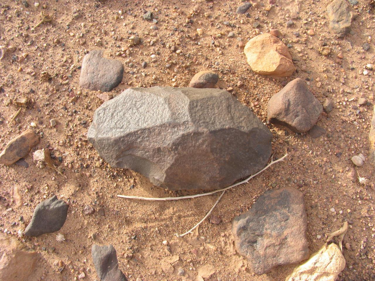 Outil paléolithique 35