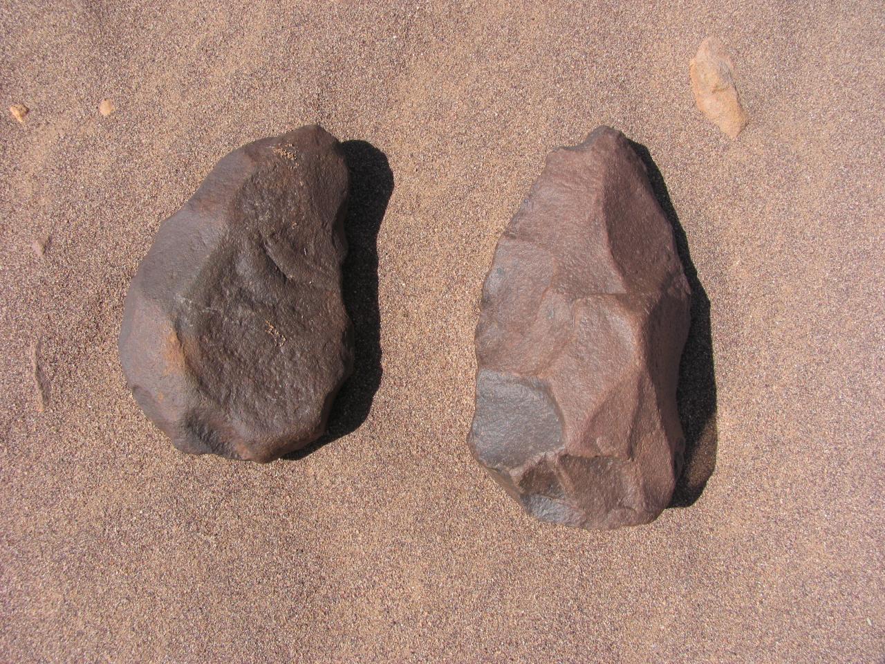 Outil paléolithique 63