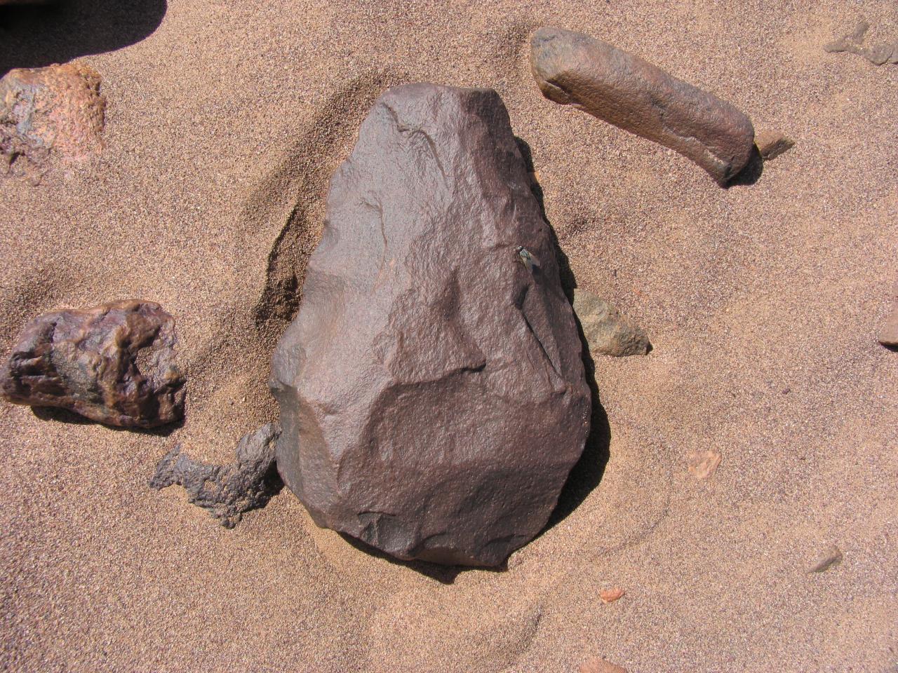 Outil paléolithique 65